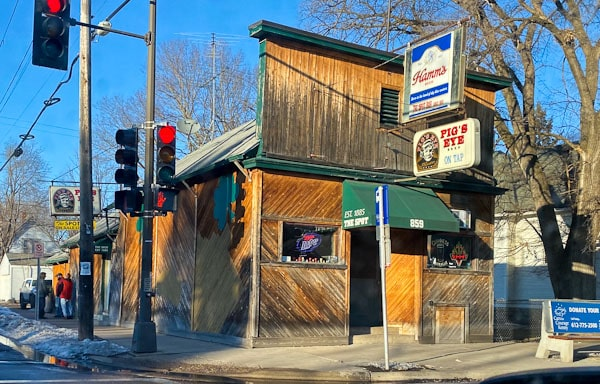 neighborhhood guide - west 7th bars