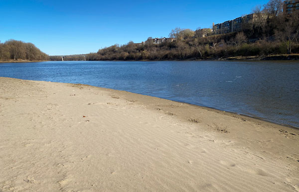 pike island beach 2